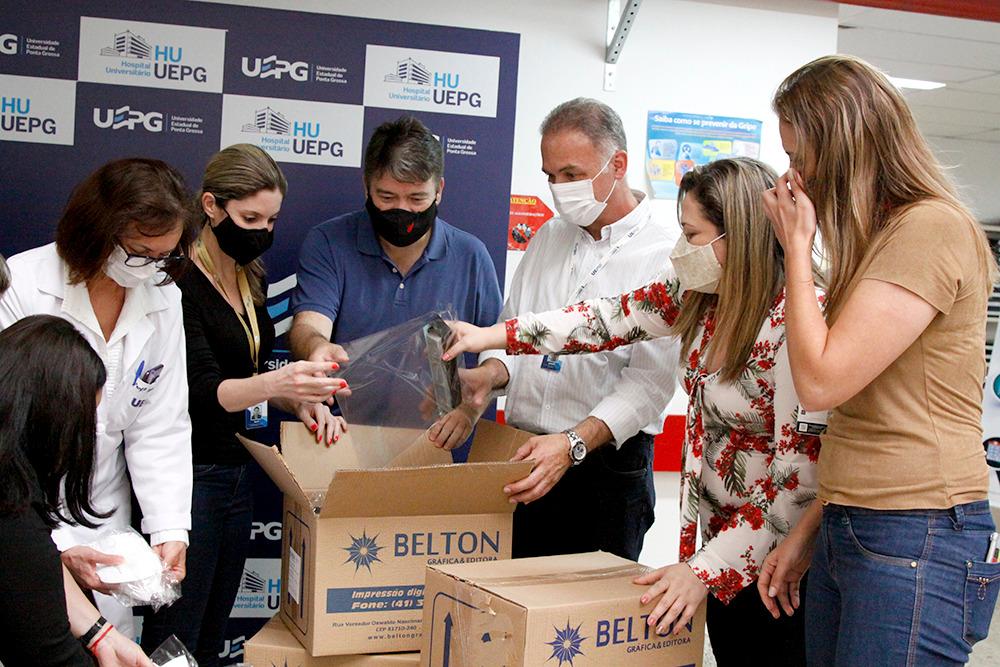 HU-UEPG recebe doações